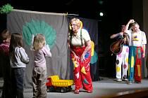 Interaktivní představení děti milují.