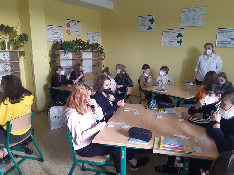 V pondělí 3. května se vrátily do rotační výuky děti 2. stupně ZŠ.