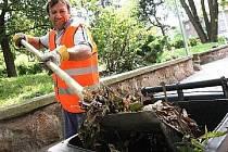 Pracovník vykonává obecně prospěšné práce