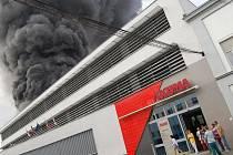 Požár v mladoboleslavské Akumě.