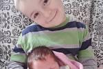ELIŠKA Dubská se narodila 3. ledna. Na fotografii je se svým bráškou Jakubem.