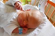 Vladimír John se narodil 14. července, vážil 3,07 kg a měřil 50 cm. S maminkou Pavlou a tatínkem Vladimírem bude bydlet v Turnově.