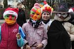 Masopust v Katusicích, do kterého se zapojila šedesátka školáků