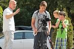 Letní filmová škola Na Karmeli umožnila dětem točit i mluvit do mikrofonu