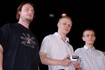 Nejlepší trojice velmistrovského turnaje. Odleva: Lukáš Černoušek, Oleg Spirin, Štěpán Žilka.