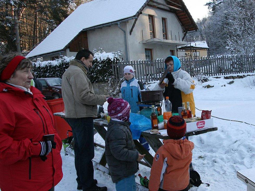 První ročník nové zimní tradice v obci Zásadka - souteže Dřevorubec roku 2011.