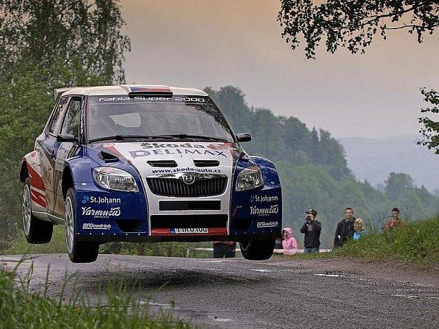 Dvojice Pavel Valoušek – Zdeněk Hrůza - posádka Škoda Delimax Teamu startující s továrním speciálem Fabia S2000 dojela na třetím místě v Rallye Český Krumlov.