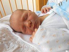 JAKUB Beneš přišel na svět 24. května s mírami 3,5 kilogramů a 51 centimetrů. Maminka Michaela a tatínek Vratislav si ho odvezou domů do Krnska, kde už se na něj těší dvouletý bráška Adámek
