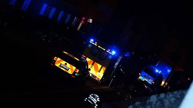 V Bělé se střetl autobus s osobním vozem.