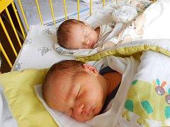 Jiřík a Lenička Surovcovi se narodili 14. září.  S maminkou Petrou a tatínkem Martinem budou bydlet v Liberci.