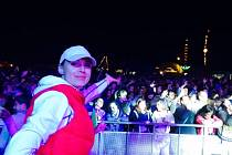 KATEŘINA ČÁSLAVOVÁ, která patří do realizačního týmu festivalu Krásná louka, ukazuje, jaká je jeho návštěvnost.
