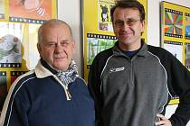 Akademický malíř Stanislav Kovář (vlevo) a primář boleslavské LDN Jiří Janovský.
