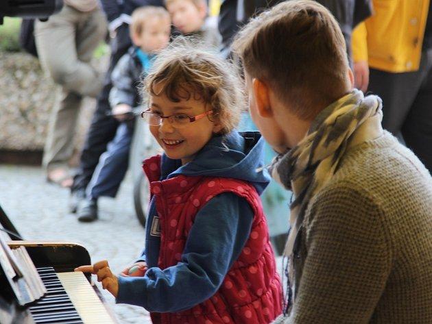 Mnichovo Hradiště má své piano ve veřejném prostoru