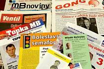 Předvolební tiskoviny v Mladé Boleslavi.