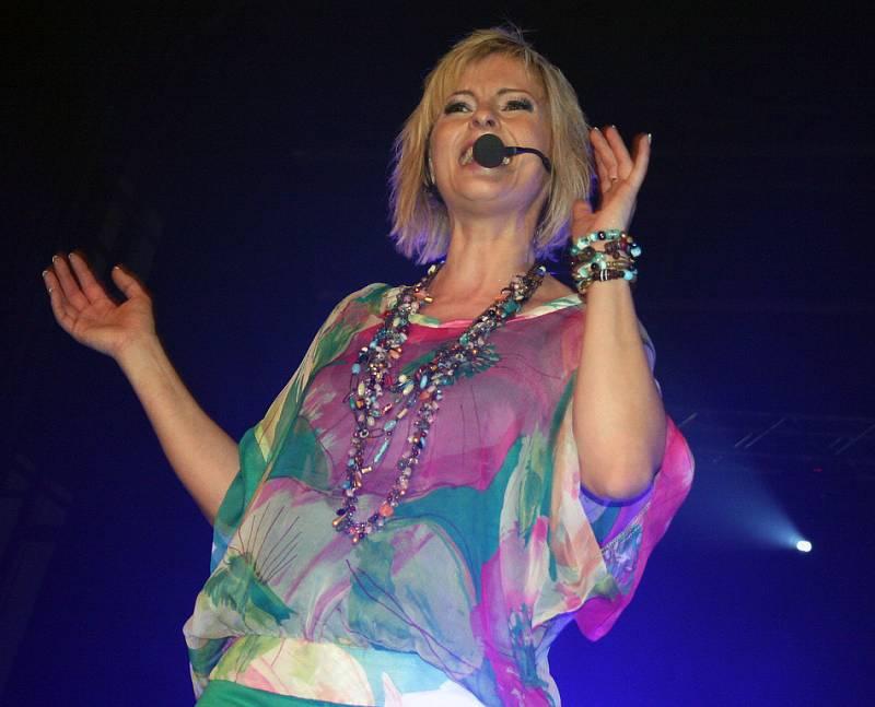 Iveta Bartošová při úspěšném boleslavském koncertu.