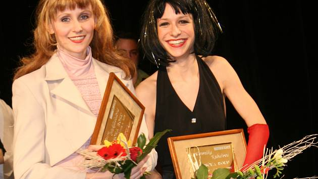 Petra Nakládalová (vlevo) a Veronika Kubařová.