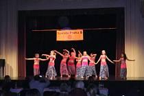 Zlaté a stříbrné medaile si vezou z pražské soutěže orientálních tanečnic dětské i dospělé tanečnice z Taneční skupiny TS Shareefa. V pražských Bohnicích se v divadle Za plotem konal další ročník soutěže Orientální princezny tančí.