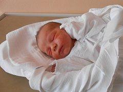 ADÁMEK Čurlik se narodil 21. července. Vážil 3,64 kilogramů a měřil 51 centimetrů. Maminka Iveta a tatínek Miroslav si ho odvezou domů do Benátek nad Jizerou