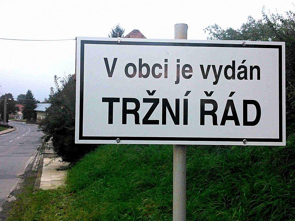 PODOMNÍ prodej na Mladoboleslavsku netolerují. Tam, kde platí, jsou lidé seznámení s tím, jak se zachovat.