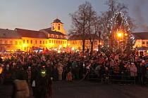 Dvacátý ročník tradiční mikulášské nadílky v Dolním Bousově se koná v sobotu 2. prosince od 14 hodin.