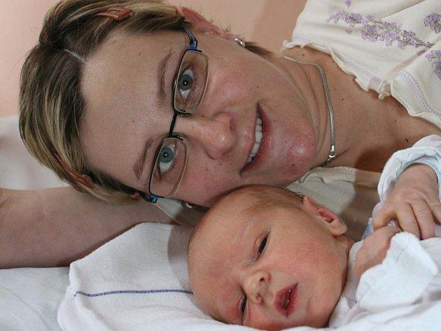 Alena Bicencová a Petr Opravil z Mladé Boleslavi mají od 15. ledna syna Dominika (3,39 kg, 51 cm).