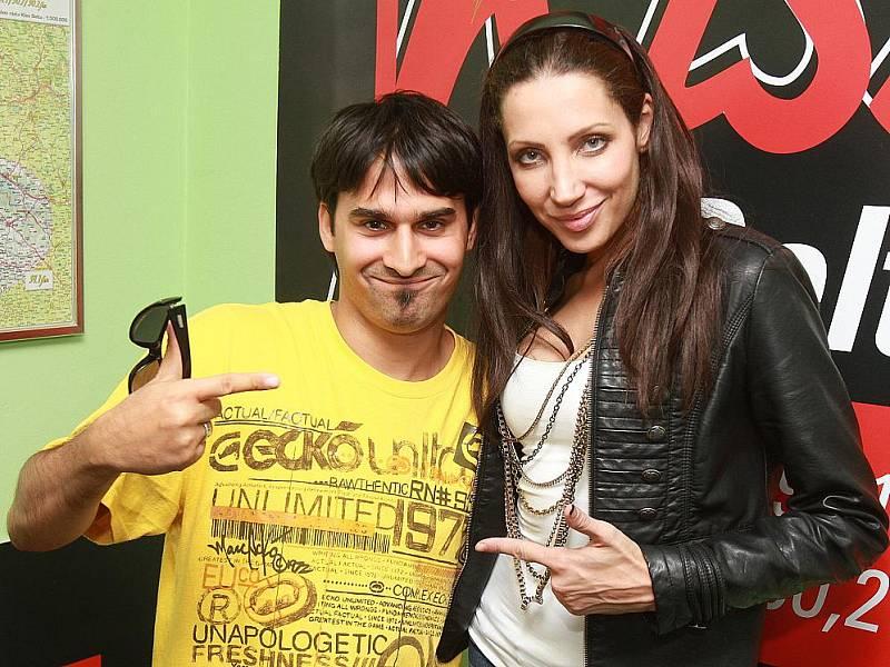 Radek Banga z Gipsy.cz a zpěvačka Olga Lounová na Kiss Deltě.