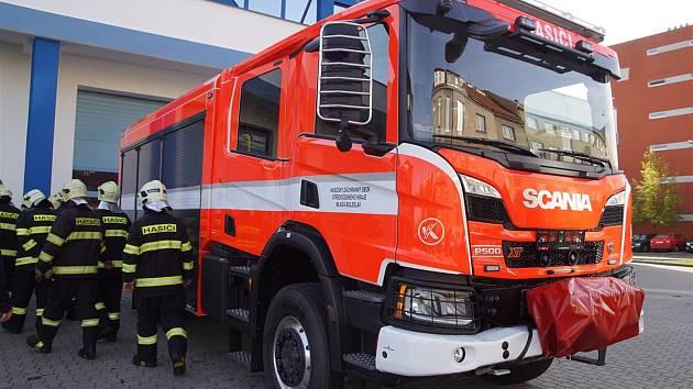 Hasiči v Mladé Boleslavi dostali novou cisternu