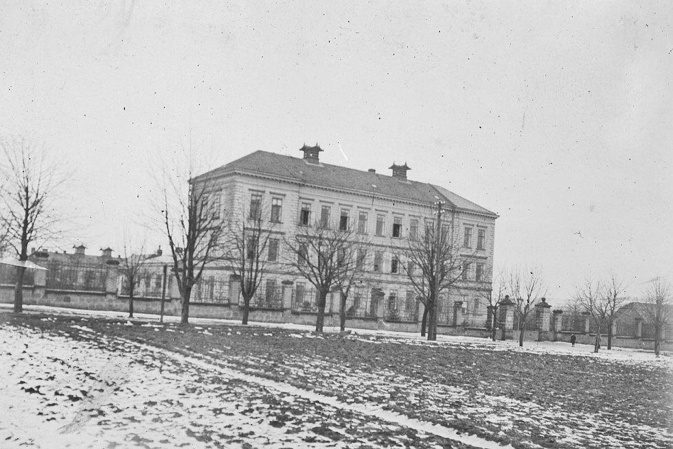 Klaudiánova nemocnice kolem roku 1900
