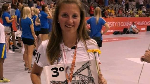 Klára Leierová s bronzovou medailí z akademického mistrovství světa