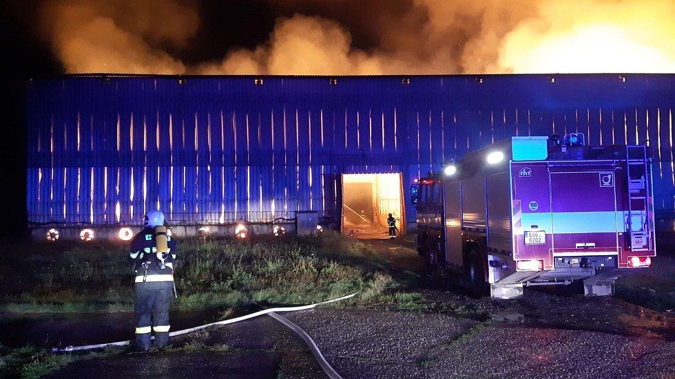 Z požáru stodoly v Lázních Toušeň