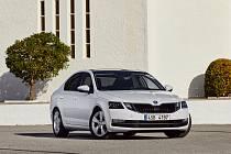16,6 procenty odevzdaných hlasů zvolili čtenáři model Škoda Octavia už posedmé vítězem ve své třídě mezi importovanými vozy.