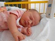Emma Míčová se narodila 27. června. Vážila 3,26 kg a měřila 49 cm.