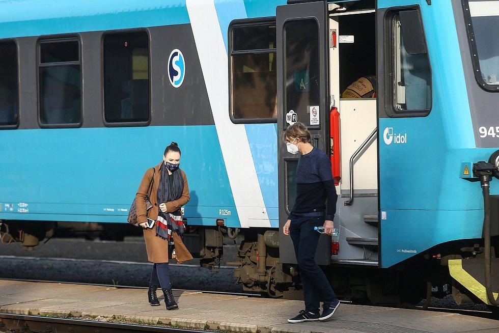 Mladoboleslavské Hlavní nádraží ve čtvrtek 22. října 2020.