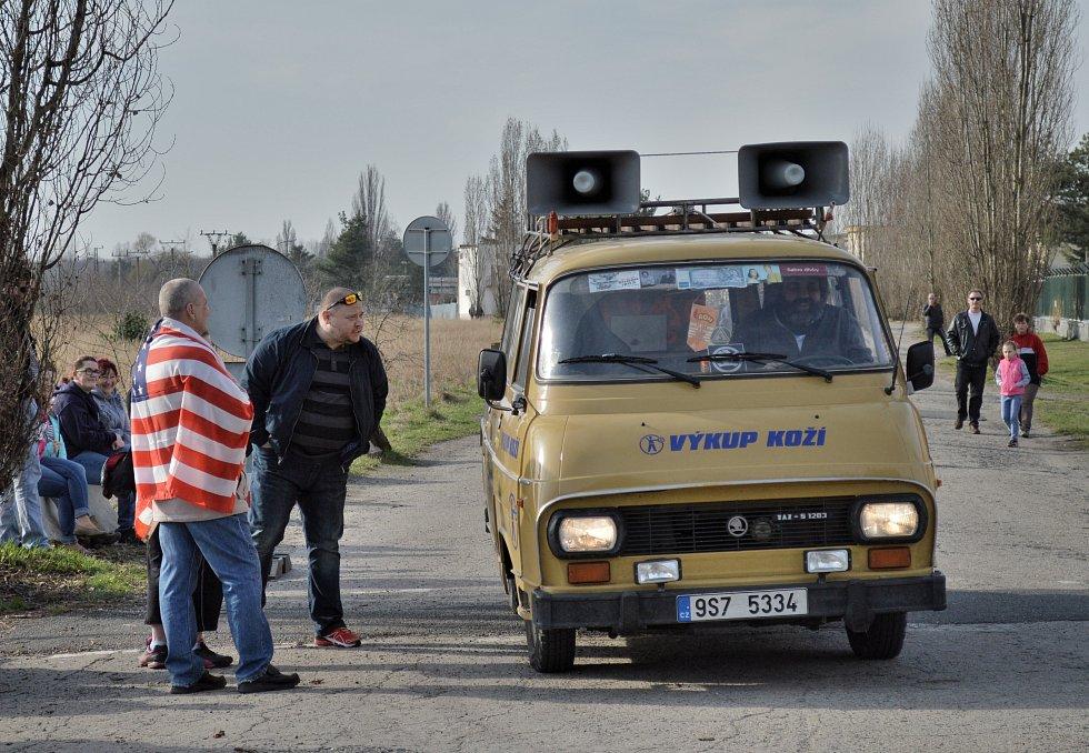Českem znovu projížděl americký vojenský konvoj.