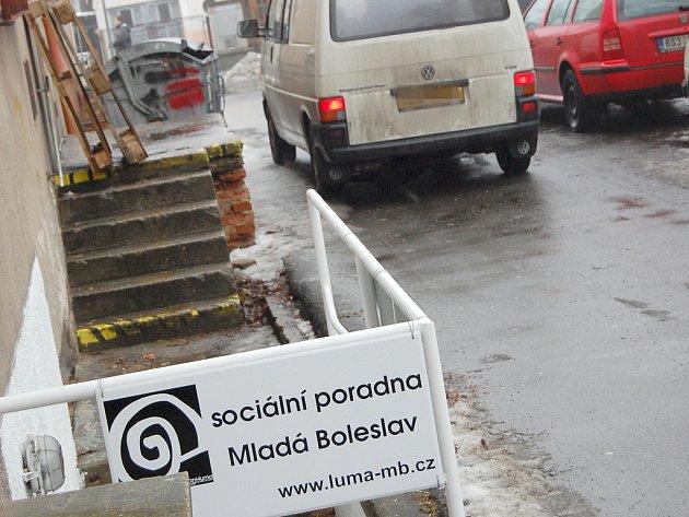 Občanské sdružení sídlí v boleslavské Erbenově ulici (zezadu), vedle areálu mateřské školy.