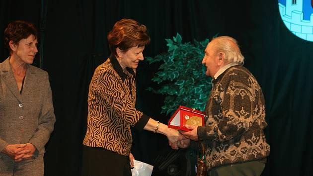 Do Síně slávy bělského sportu v roce 2007 vstoupil Jaroslav Horáček (Spolek amatérských cyklistů Bělá)