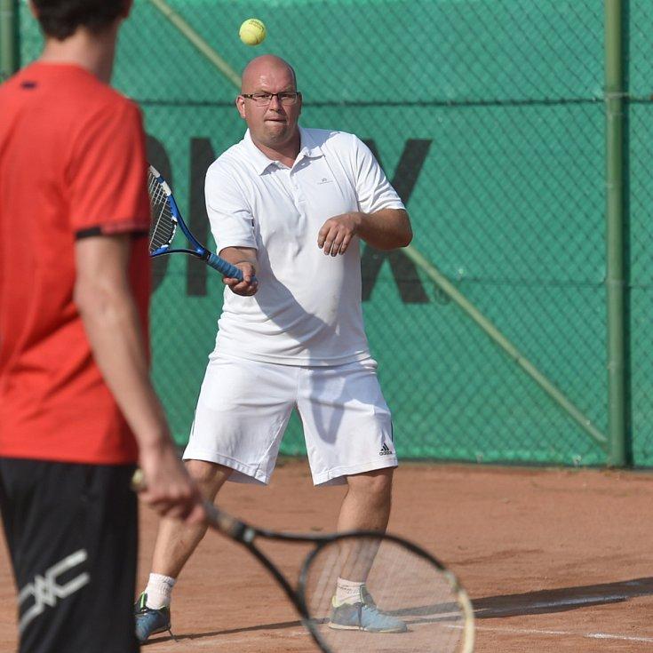 Kolomuty ožily tenisem