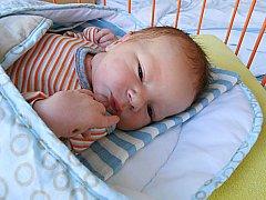 Vojtěch Navrátil se narodil 20. února, vážil 3,43 kg a měřil 53 cm. Maminka Katka a tatínek Petr si ho odvezou domů do Kosmonos.