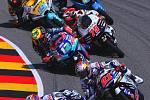 Závody Rel Bull Racing na německém Sachsenringu.