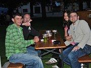 Na náměstí v Bělé pod Bezdězem v pátek večer vystoupila kapela Old Stars MB