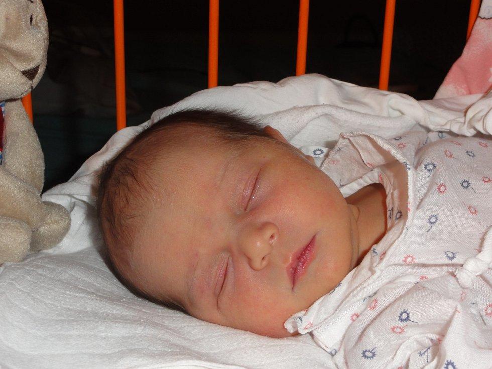 KLÁRA Dlouhá přišla na svět 26. ledna s mírami 3,04 kilogramů a  48 centimetrů. S maminkou Andreou a tatínkem Petrem bude bydlet v Mladé Boleslavi. Doma se na ni už těší sestřička Veronika.