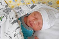 Erik Čižinský se narodil 1. prosince, vážil 3,2 kg a měřil 50 cm. Maminka Marcela a tatínek Hynek si ho odvezou domů do Krnska, kde už se na něho těší bráškové David a Filip.