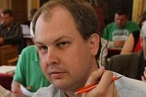 Zastupitel Robin Povšík.