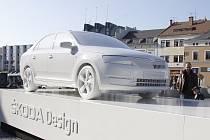 Model nového vozu je k vidění na náměstí