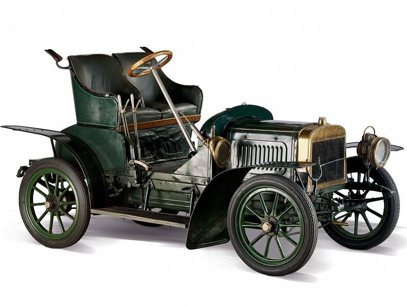 Veterán Laurin & Klement Voiturette B vyrobený v roce 1906 nechybí ve sbírkách Národního technického muzea v Praze.