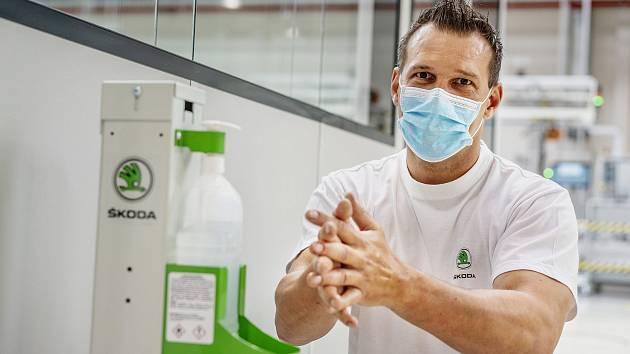 Škoda Auto od pondělí znovu rozjede výrobu