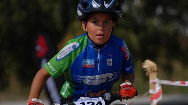 Závody horských kol v Bakově v Dema Poháru města Bakov berou mladí závodníci velice vážně a bojují ze všech sil o nejlepší umístění. Však na ně čekají také hodnotné ceny