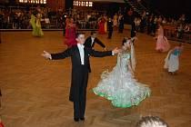 Tanečníci předvedli své umění na parketu velkého sálu Domu kultury.