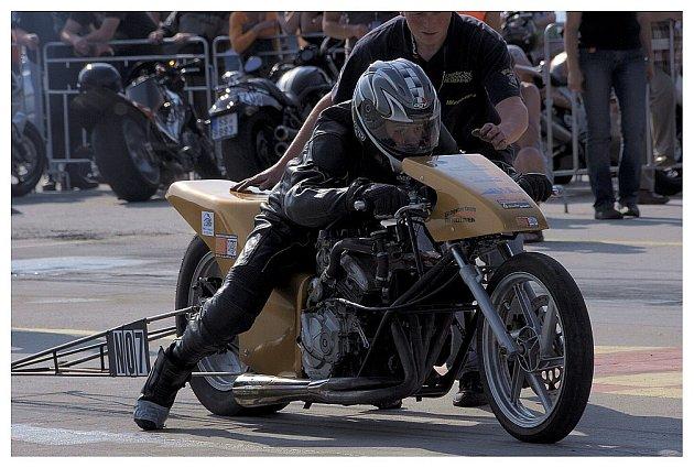 Motocyklové dragstery v Hoškovicích