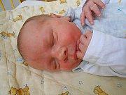 Tadeáš Molnár se narodil 26. listopadu, vážil 3,36 kg a měřil 50 cm. S maminkou Petrou a tatínkem Michalem bude bydlet v Mladé Boleslavi, kde už se na něho těší sourozenci Jakub, Natálie a Nicol.